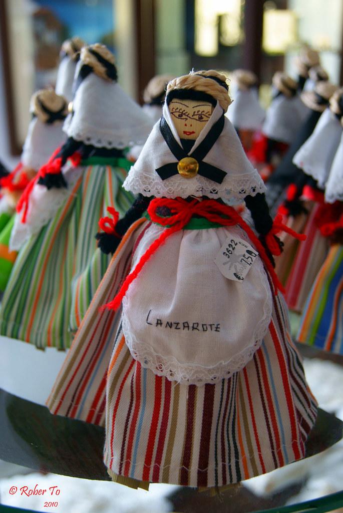... Souvenir - Traje típico de las fiestas de Lanzarote  48356eb7b1b
