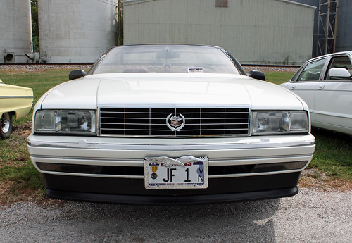 1993 Cadillac Allanté Roadster (1 of 8)