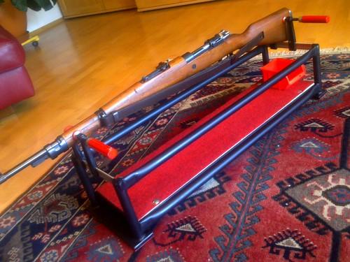 waffenhalterung putzhilfe basteln reparieren mehr. Black Bedroom Furniture Sets. Home Design Ideas