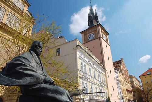 捷克著名的音樂家 ─史麥塔納(Bedrich Smetana, 1824~1884 ),他身後的就是Smetana Museum博物館