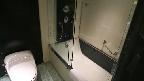 ホテル リスボアのロイヤルスイート 浴槽