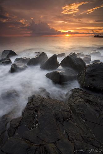 longexposure seascape beach canon indonesia landscape eos rocks 5d lombok ntb senggigi ef1740mmf4lusm westnusatenggara nusatenggarabarat randiang