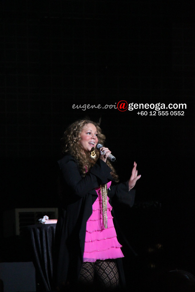 Mariah at Singapore F1 concert 2010