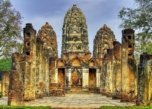 The Lost World / Wat Si Sawai / Sukhothai (Thailand)