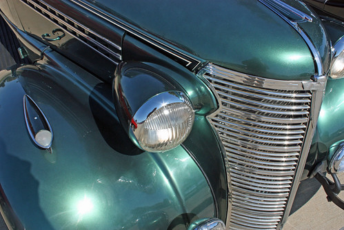 1938 Chevrolet Master Deluxe 2-Door Coupe (2 of 2)