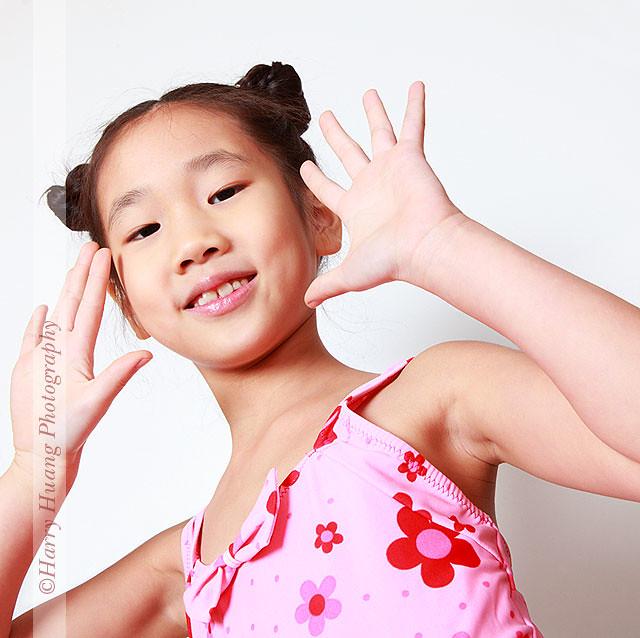 日本拍写真的小女孩有吗_女孩-泳装-儿童-小孩