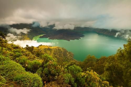 lake sunrise indonesia hiking lombok treking helminadia rinjani segaraanak