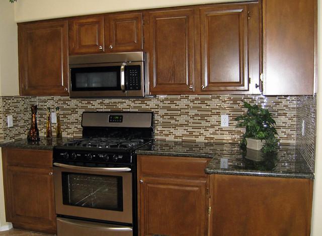 Kitchen Backsplash Glass Tile Grout Color