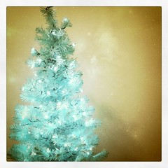 pretty blue christmas tree!