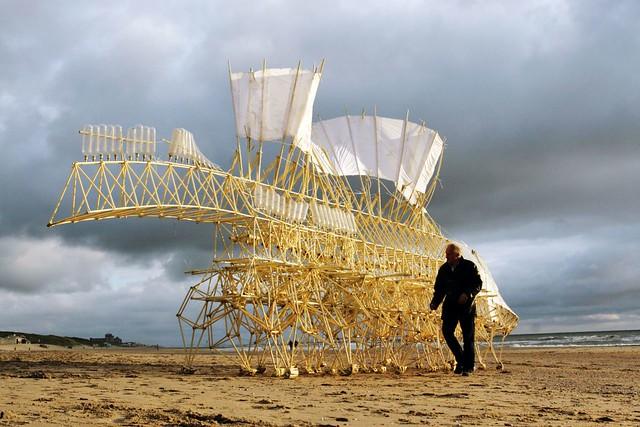 Strandbeest von Theo Jansen - kijkduin