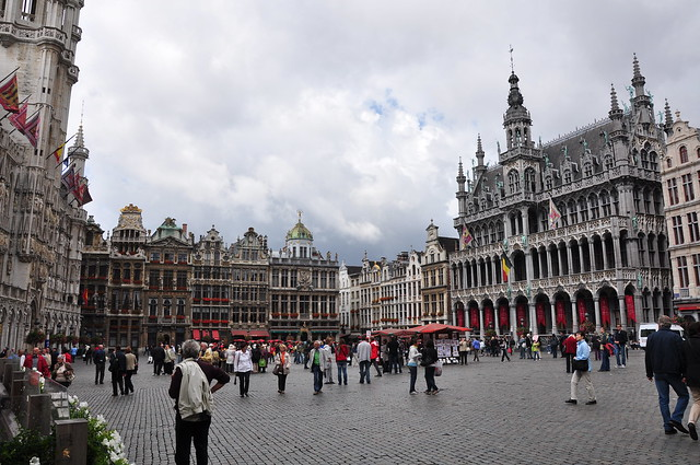 Grand Place by CC user vilavelosa on Flickr