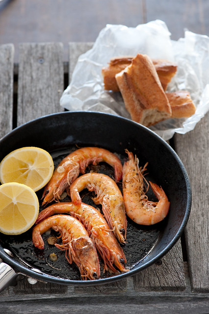 garlicky grilled prawns