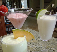 non-alcoholic beverage, piã±a colada, smoothie, produce, horchata, food, drink, milkshake, margarita,