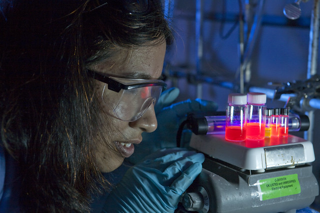 A researcher at the Los Alamos National Laboratory (LANL) works with nanocrystals.   Photo by LeRoy Sanchez.