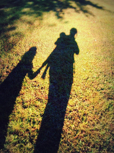 sunset me grass phonepic shadows alabama desotostatepark babycarrier attachmentparenting momandkids