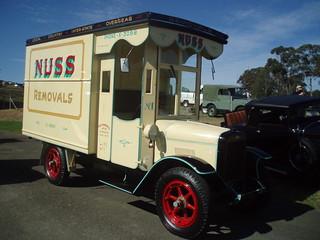 1926 International Harvester furniture truck