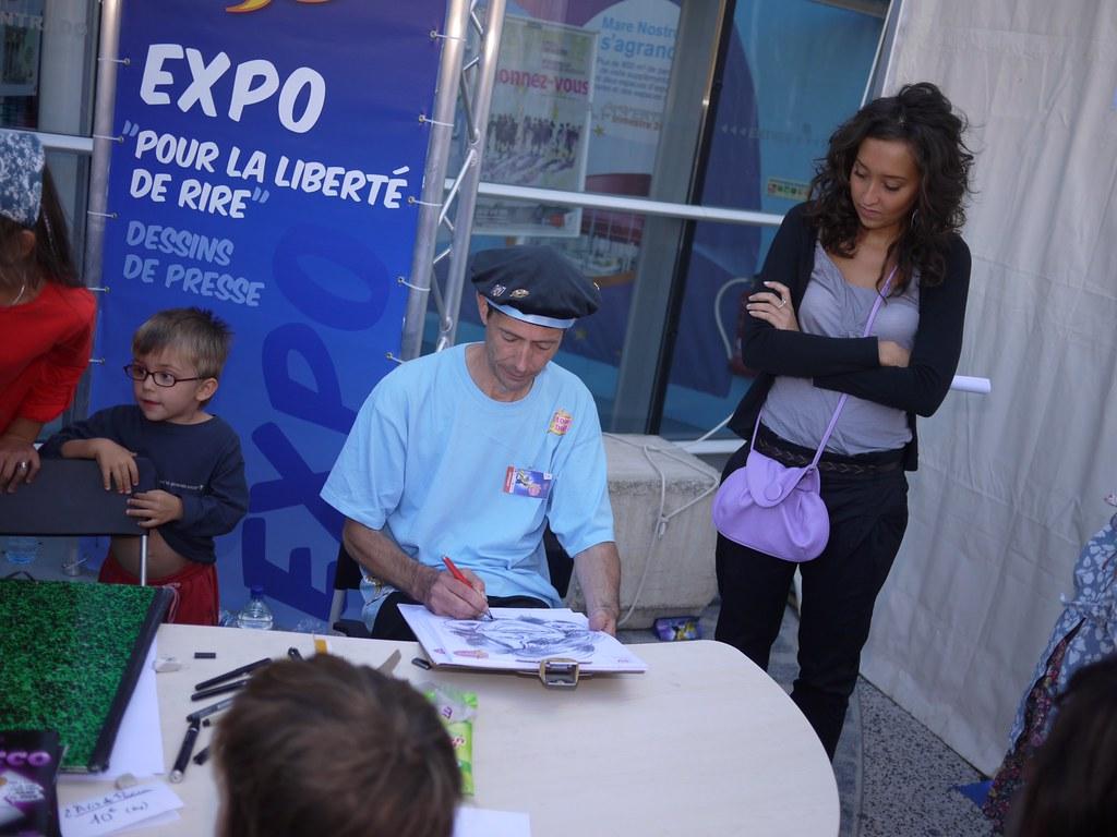 related image - Pour la liberté de rire - O tour de la Bulle - 2010 - Montpellier - P1520661
