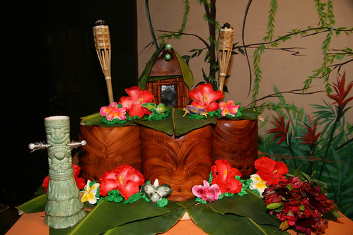Danelle & Jason's Tiki wedding cake!