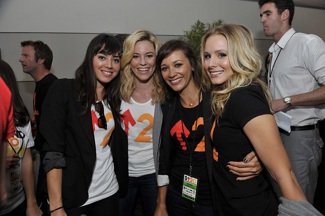 Aubrey Plaza, Elizabeth Banks, Rashida Jones and Kristen Bell backstage at the 2010 Stand Up To Cancer Show.