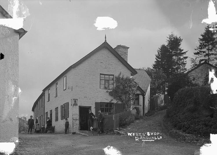 Wests' shop, Llangunllo