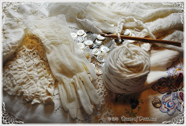 Vintage Mother of Pearl Buttons, Gloves and Lace
