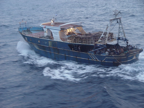 Nuova tragedia del mare: barcone si rovescia, almeno 50 le vittime$