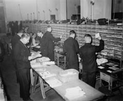 10-17-1952_11052_2 Post sorteren
