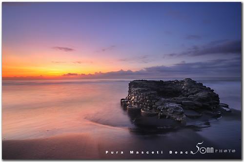 lighting old morning sea people bali sun house seascape beach sunrise indonesia fishing fisherman nikon wave well d300 blacksands fiftymm fiftymm99 puramascetibeach gettyimagessingaporeq2