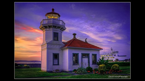 sky usa lighthouse beach lighthouses sunsets pacificnorthwest pugetsound washingtonstate westernwashington photomatix mukilteolighthouse westcoastlighthouses lighthousesoftheworld lightroom2 pacificcoastlighthouses pacificnorthwestlighthouses canonrebelxsi topazadjust topazdenoise fresnatic