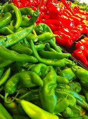 cayenne pepper(0.0), bell pepper(0.0), plant(0.0), dish(0.0), chili pepper(1.0), vegetable(1.0), serrano pepper(1.0), bell peppers and chili peppers(1.0), bird's eye chili(1.0), peperoncini(1.0), produce(1.0), food(1.0), pimiento(1.0), jalapeã±o(1.0),