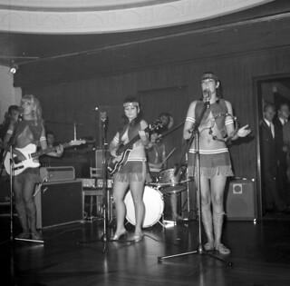 The Ladybirds opptrer i Bergen / The Ladybirds performing in Bergen, Norway (1968)