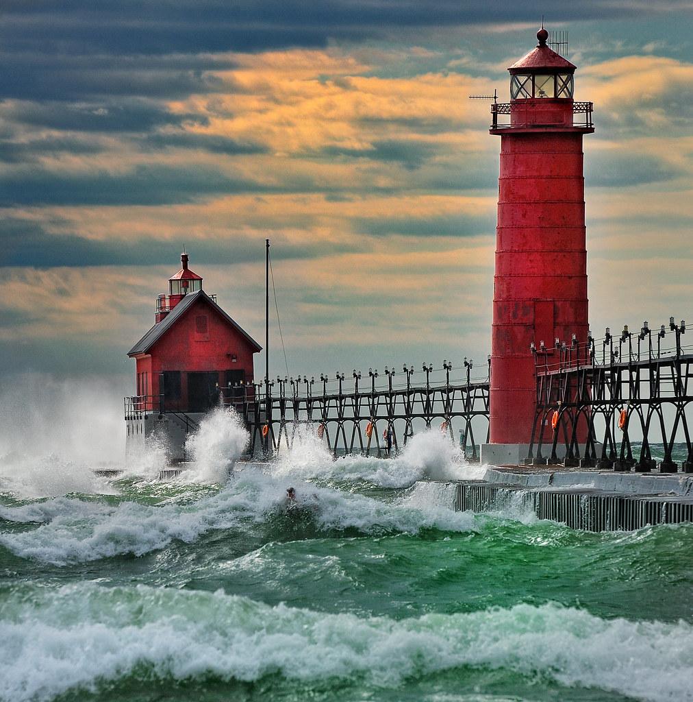 Michigan Fall Color Lighthouse Tour