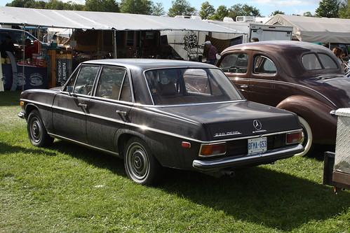 1971 Mercedes-Benz 220 Diesel 4 door