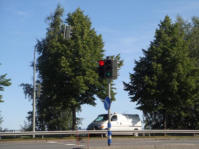 Светофор: красный и зеленый