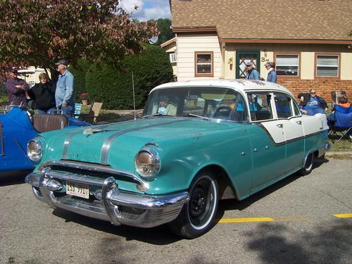 Image gallery 1955 pontiac 4 door for 1955 pontiac chieftain 4 door
