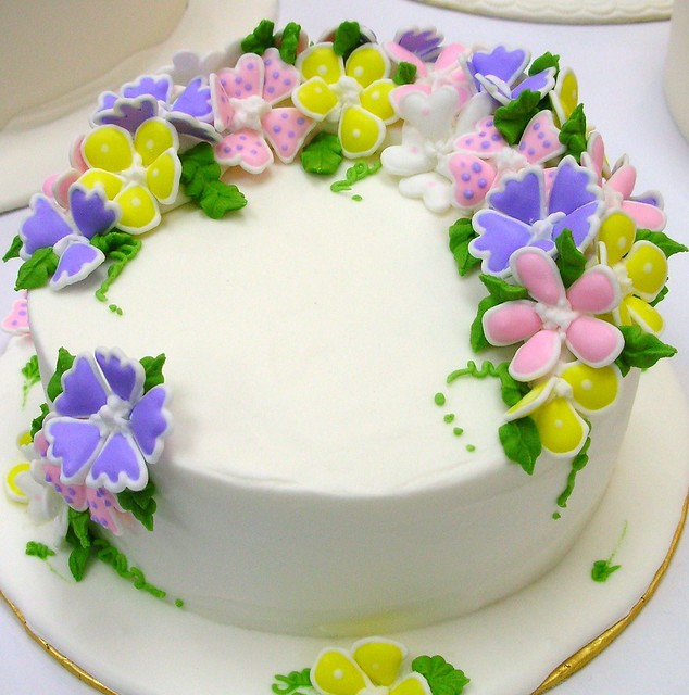 Cake With Royal Icing Flowers : Royal Icing Flowers & Cake Flickr - Photo Sharing!