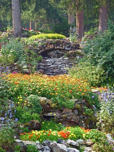 Il giardino roccioso - Idee giardino in pendenza ...