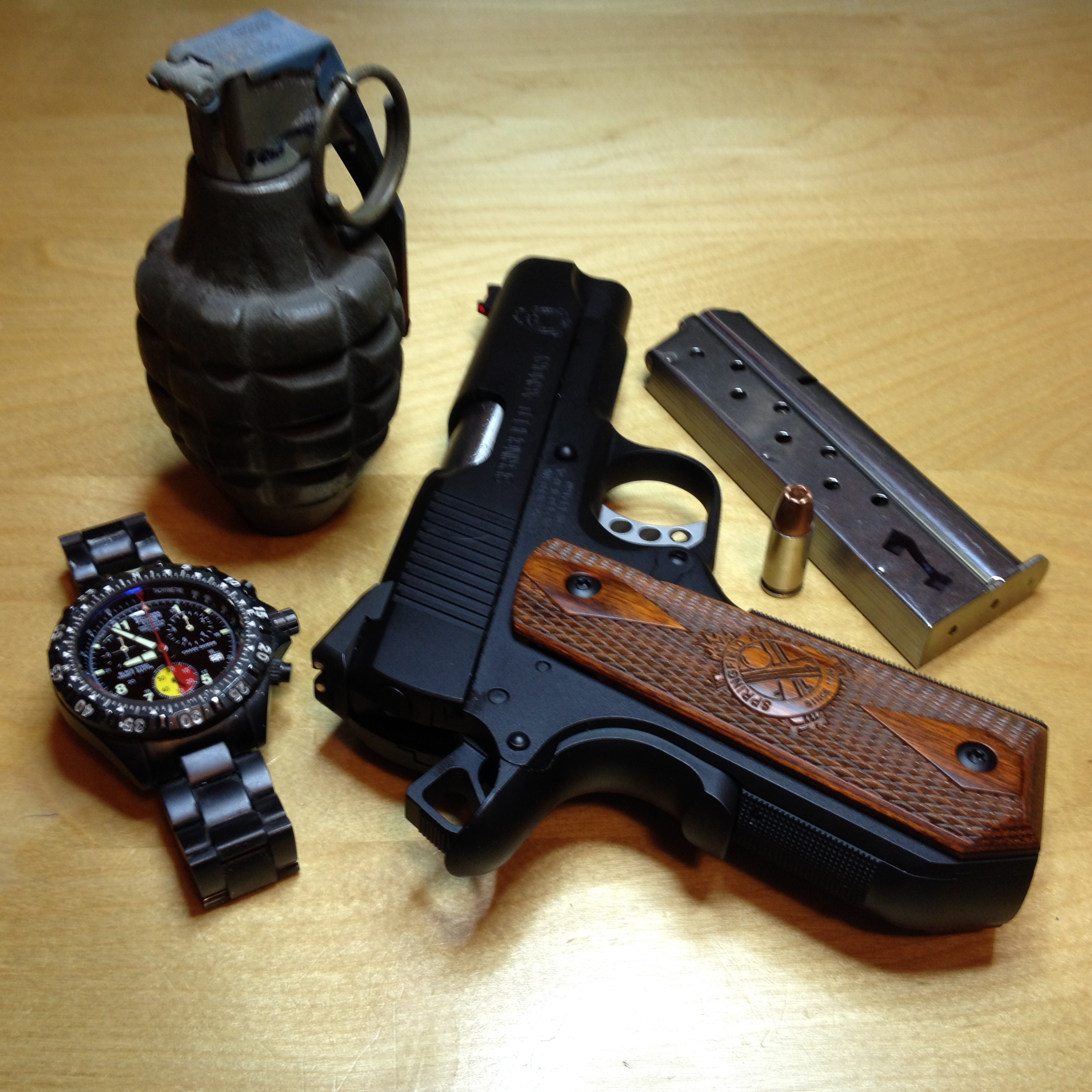 Any Nice PICS of the EMP Concealed Carry Contour? - 1911Forum