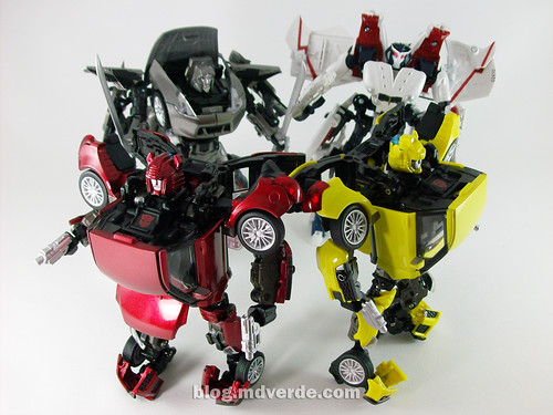 Transformers Cliffjumper Alternity vs Bumblebee vs ...