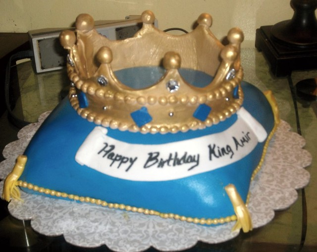 Cake With Crown For Boy : photo