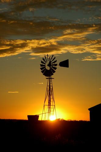 sunset windmill clouds texas sylvester tx nikon2485mm28 sylvestertexas