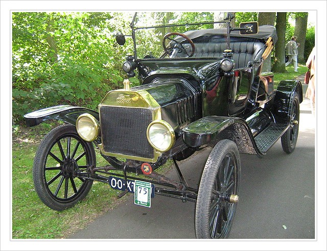 1915 : Ford Produces 1 Millionth Model T