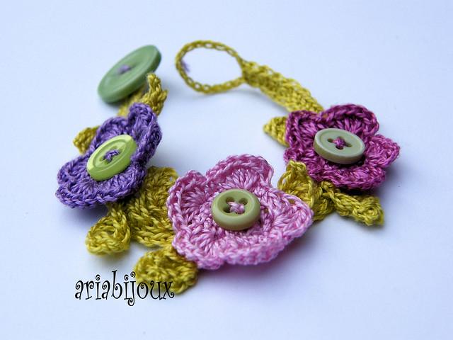 bracciale fiori crochet