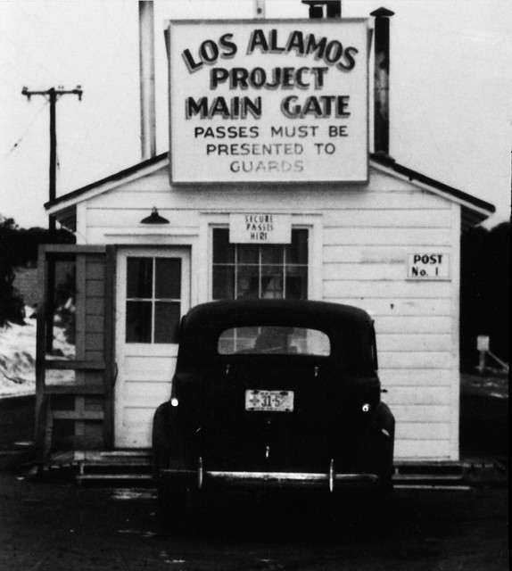 Historical photo from Los Alamos National Laboratory (LANL). On April 20, 1943, the University of California signed a contract with the United States Army Corps of Engineers to operate a secret laboratory in the mountains of northern New Mexico. The university accepted the task of managing Los Alamos as a service to the nation. The Los Alamos Laboratory sprang up overnight .