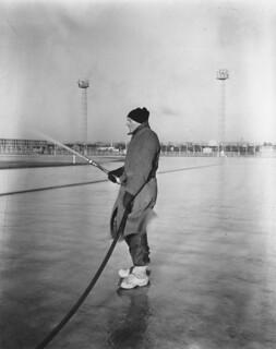 01-31-1956_13791 IJsbaan Oost