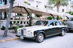 automobile, automotive exterior, rolls-royce, rolls-royce corniche, vehicle, rolls-royce silver shadow, bentley t-series, antique car, sedan, vintage car, land vehicle, luxury vehicle,
