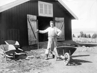 Andreas Moe ved Starum leir / Andreas Moe at camp Starum (ca. 1903)