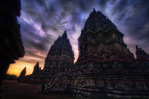 http://www.flickr.com/photos/95572727@N00/5084750107