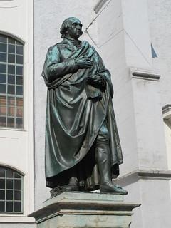 Herderdenkmal 的形象. weimar weimarerklassik johanngottfriedherder bronzestandbild