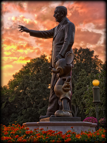 world sunset statue canon mouse florida magic kingdom disney mickey disneyworld wdw walt magickingdom partners canon24105l 40d